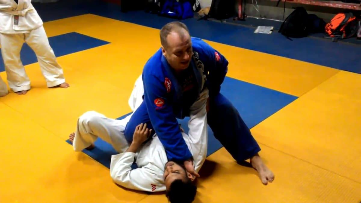 Attacks from Knee on Belly